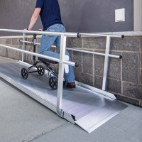 RAMP - GATEWAY 9-FT RAMP W/HANDRAILS